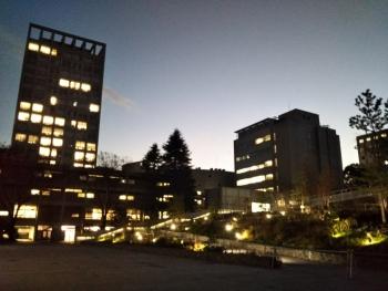 戸山キャンパス夕方