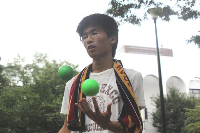 フットバックを盛り上げたい!早稲田大学ジャグリングサークルinfinityの磯野さん