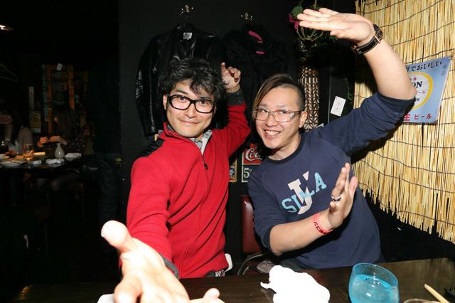 20170207_大人しく飲んでると思いきや…しょえーん!アゴヤマ(左)オフサイド竹山(右)
