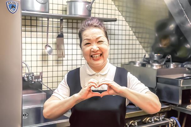 20170706_老舗の洋食屋「キッチン谷沢」のおかみさん