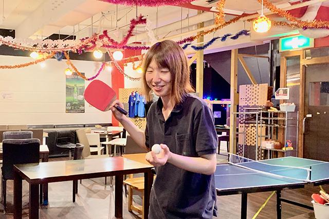 卓球酒場「ぽん蔵」スタッフのお笑い芸人「ツイタチ」の一瀬さん